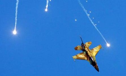 F-16 jet fighter
