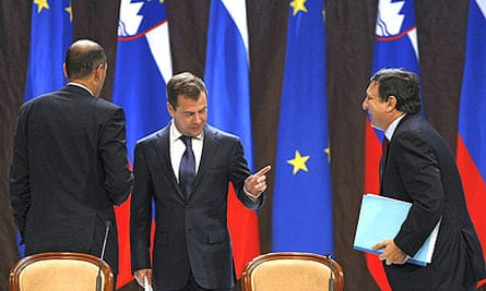 Russian president Dmitry Medvedev (c) with the president of the European council, Janez Janza (l), and European commission president José Manuel Barroso (r) at the Russia-EU summit in Khanty-Mansiisk.