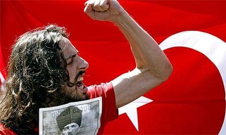 Pro secular Turk demonstrator