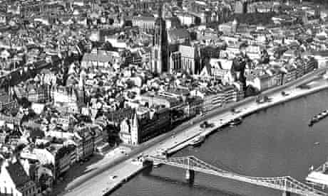 Frankfurt's gothic architecture photographed from the air in 1942