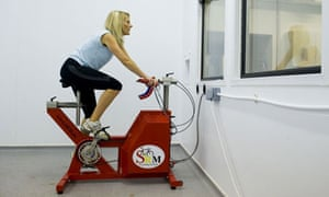 Peta Bee on a training bike in the heat chamber at the English Institute of Sport