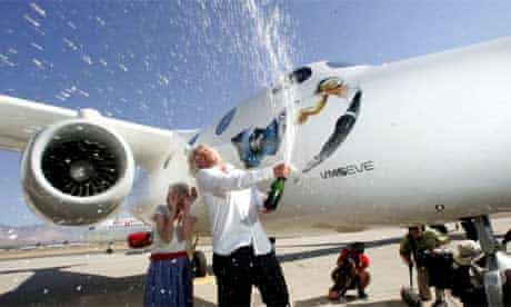 Virgin Galactic: Richard Branson and mum with White Knight Two
