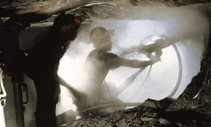 Lonmin miners dig for platinum