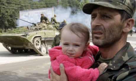 South Ossetians evacuate the capital of Tskhinvali