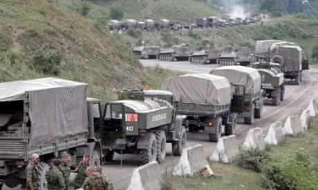 A column of Russian troops on the road to Tskhinvali