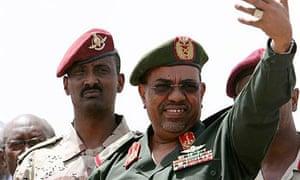 Sudan's president Omar Hassan al-Bashir addresses protesters outside the Sudanese military headquarters in Khartoum