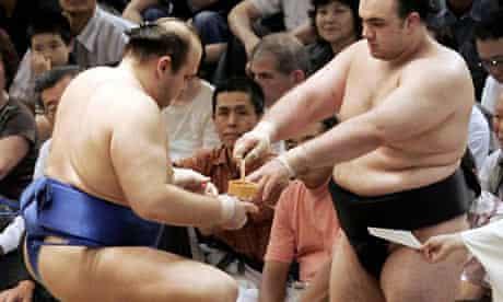 Russian sumo wrestler Hakurozan and his brother Roho