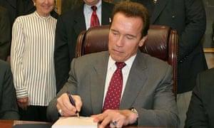 Arnold Schwarzenegger signs California budget