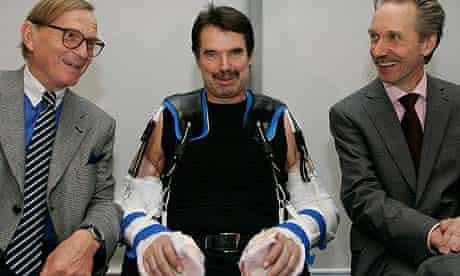Karl Merk with doctors Edgar Biemer (l) and Christoph Hoehnke