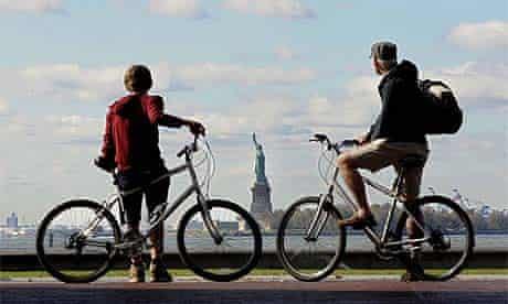 Manhattan, a bespoke tour. Cyclists, New York