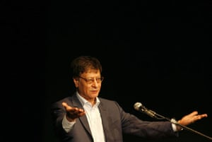 Gallery books 2008 year in review: Mahmoud Darwish
