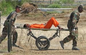 Gallery Guantanamo Bay : Afghan detainee in Guantanamo Bay in 2002