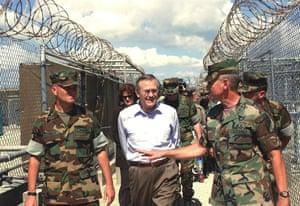 Gallery Guantanamo Bay :  US Secretary of Defense Donald Rumsfeld  on a visit to Camp X-Ray  2002