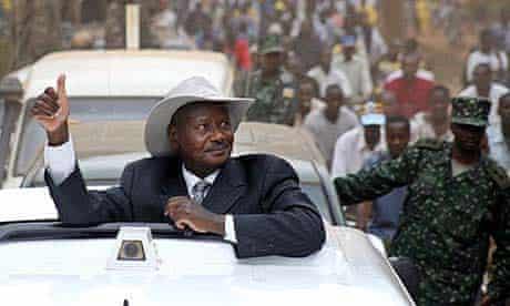 Uganda president Yoweri Museveni on the campaign trail in 2006