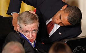 Barack Obama presents the medal of freedom to physicist Stephen Hawking at the White House