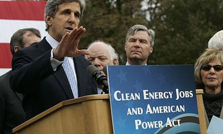 US senators John Kerry and Barbara Boxer unveil a bill titled the Clean Energy Jobs and American Power Act at a news conference in Washington.