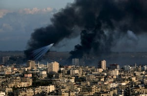 Gallery Gaza: An Israeli missile strike in the east of Gaza City