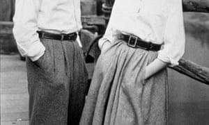 Humphrey Bogart and Lauren Bacall model 1948 pocket chic