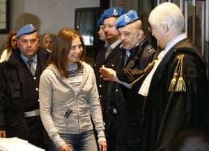 Gallery Meredith Kercher trial: Amanda Knox smiles at her lawyer Luciano Ghirga