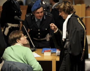 Gallery Meredith Kercher trial: Raffaele Sollecito speaks with his lawyer Giulia Buongiorno, right