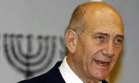 Ehud Olmert addresses Israeli citizens on TV