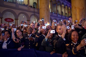 Gallery Obama: the new president: American troops wait for Barack Obama