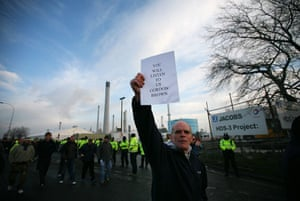 Gallery Oil refineries strike: Protesters gather at the Lindsey oil refinery in North Lincolnshire.
