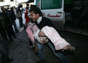 Gallery Israeli troops enter Gaza: Israeli troops enter Gaza
