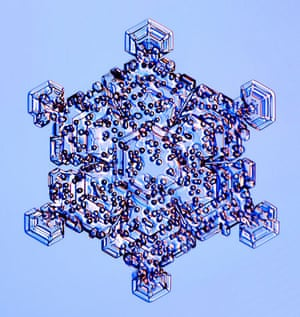Gallery Snowflakes: A Rimed Crystal snowflake
