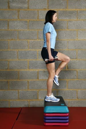 Gallery Strength training: Jo Pavey: step-up with dumbbells