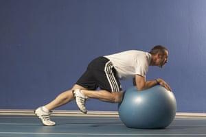 Jamie Staff, Swiss Ball plank