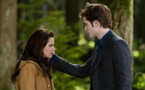 Twilight New Moon: Twilight New Moon: Bella (Kristen Stewart) and Edward (Robert Pattinson)