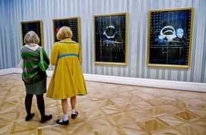 Damien Hirst No Love Lost: Grayson Perry with his wife Philippa at No Love Lost, Blue Paintings