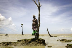 Earth Alert: Farmer from Bengal, India, lost his house to the rising sea