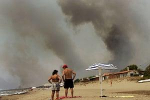 Earth Alert: village of Zacharo as wildfires spread through South Peloponnese Greece
