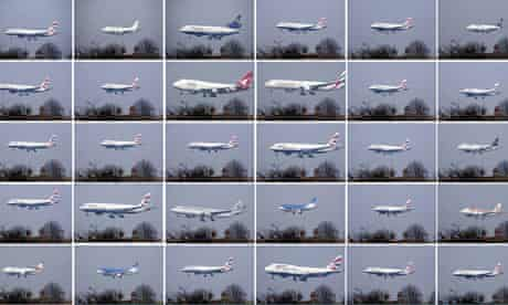 Planes landing at Heathrow in chronological order in just one hour