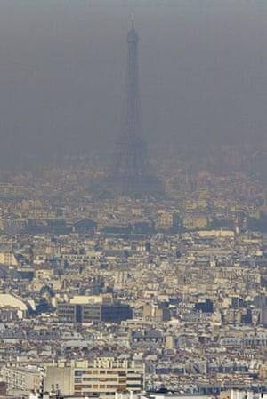 Environment decade: Heatwave Paris France 2003
