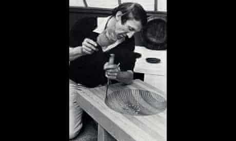 Alan Peters in his workshop in 1984