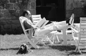 Jacques Chirac: 1976: Jacques Chirac on vacation in his Correze home