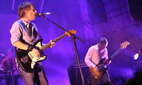 Thom Yorke and Flea play the Orpheum Theatre, Los Angeles 04.10.09