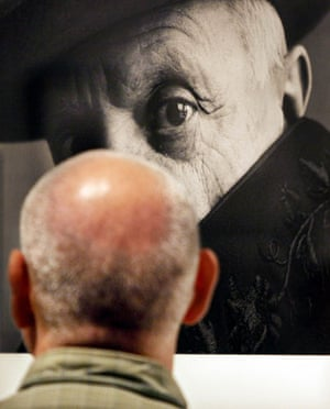 Irving Penn: A visitor look at Irving Penn's portrait of Picasso