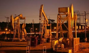 End of oil : Oil rig in California