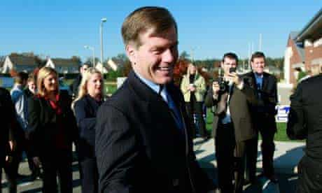Virginia Republican gubernatorial nominee Bob McDonnell greets supporters