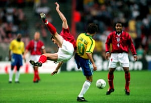 England v Brazil: Le Tournoi Soccer Tournament - England V Brazil