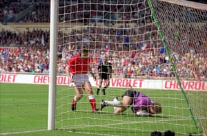 England v Brazil: 1992 - Linker misses penalty that would have equalled a goalscoring record