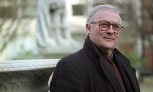 Edward Woodward dies