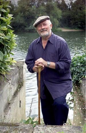 Edward Woodward obit: 2001: Edward Woodward at his home in Surrey
