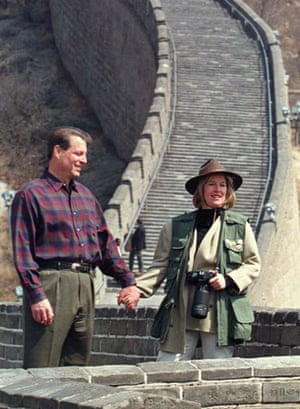 presidents at great wall: Vice President Al Gore and his wife Tipper tour the Great Wall in China