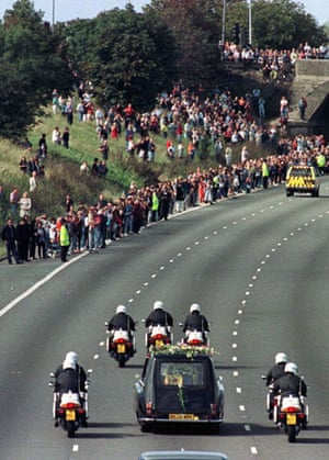 M1 motorway: 1997: Princess Diana's funeral cortege on the M1 at Toddington