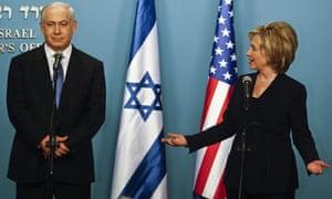 Hillary Clinton and Benjamin Netanyahu at a Jerusalem press conference 31/10/09